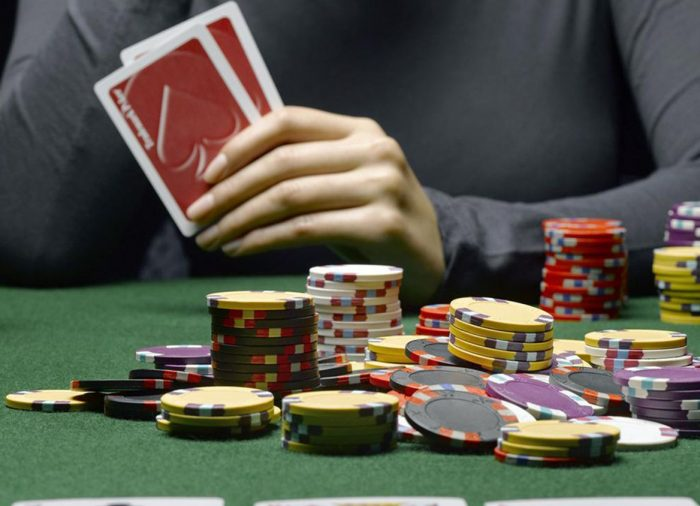 The 3 most common mistakes novice Texas Hold'em players make.